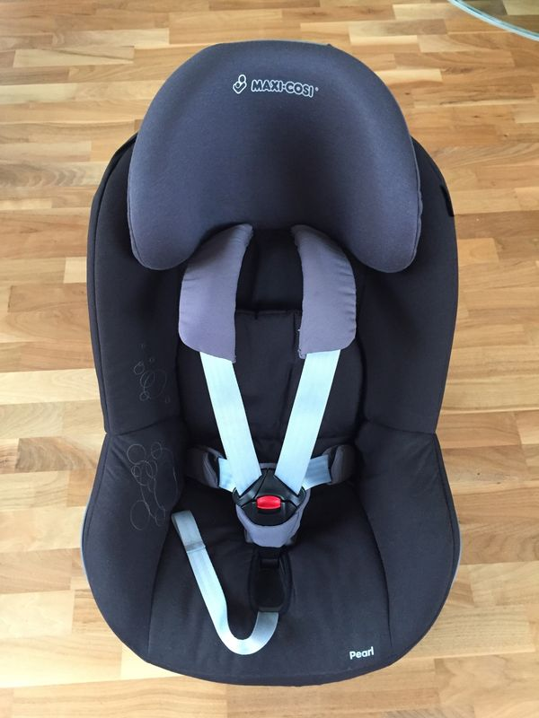 Maxi Cosi Pearl Black Bubbles mit Family Fix
