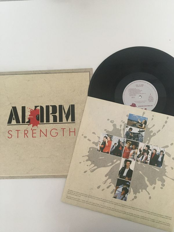9 Schallplatten: Alarm, Black, Marillion, Queen, Albert Hammond, Chris de Burgh, Heart, Tears For F.