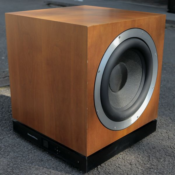 B & W Bowers & Wilkins DB1 aktiver Subwoofer 1000 Watt Cherry High-End-HiFi