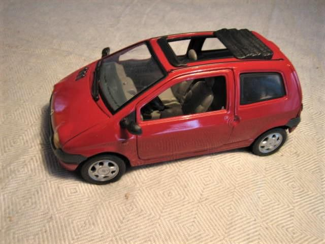 Modell 1:18   Renault Twingo   Anson
